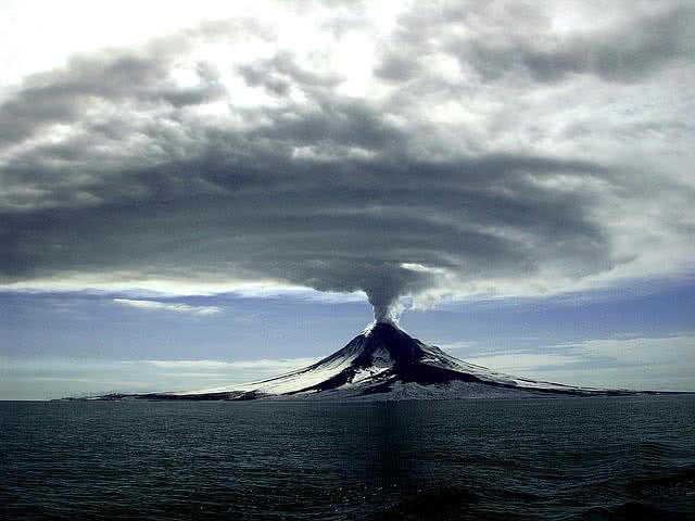 فوران آتشفشان