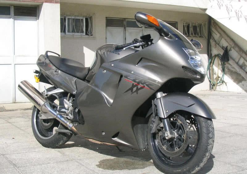 هوندا CBR 1100XX BLACKBIRD